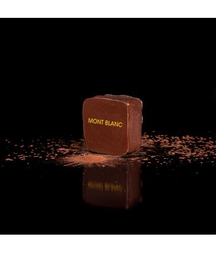 MONT BLANC : crème de marron, ganache chocolat blanc, vanille