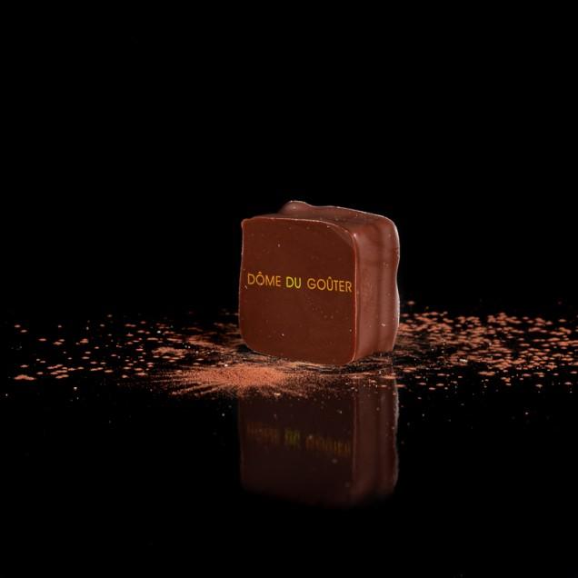 DÔME DU GOÛTER :                ganache chocolat lait, pâte de fruit poire / gingembre