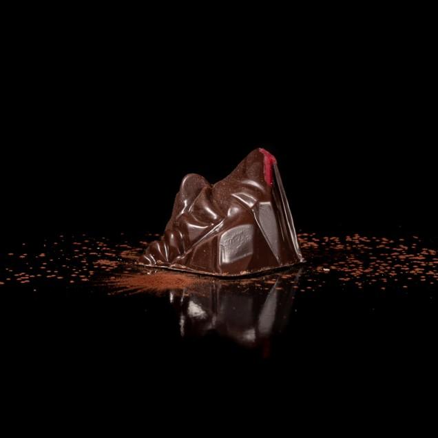 Le 4807 : Ganache au chocolat noir, macération de framboises